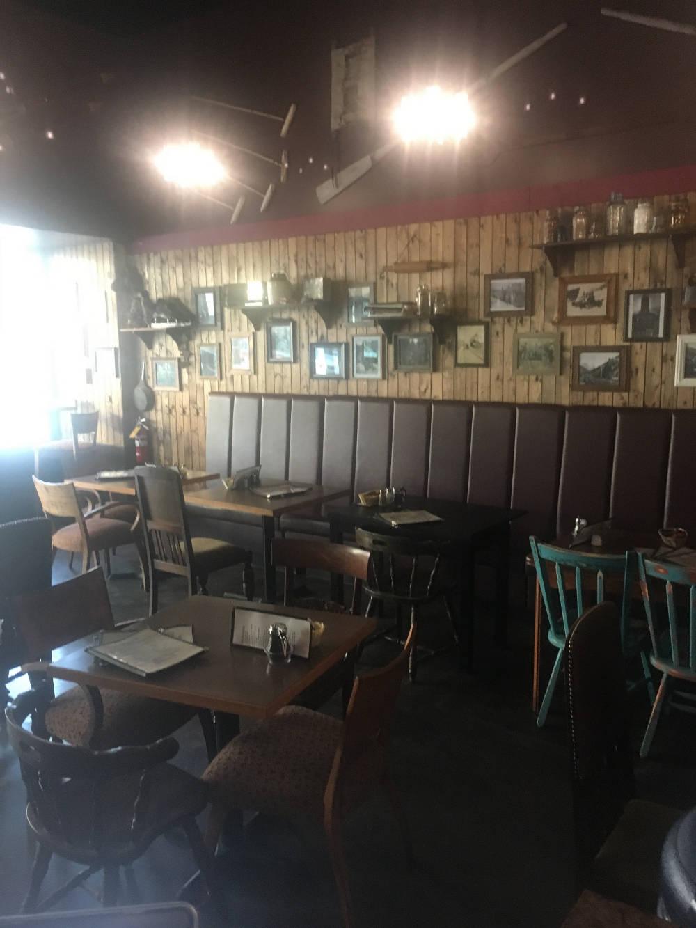 Revelstoke cafe